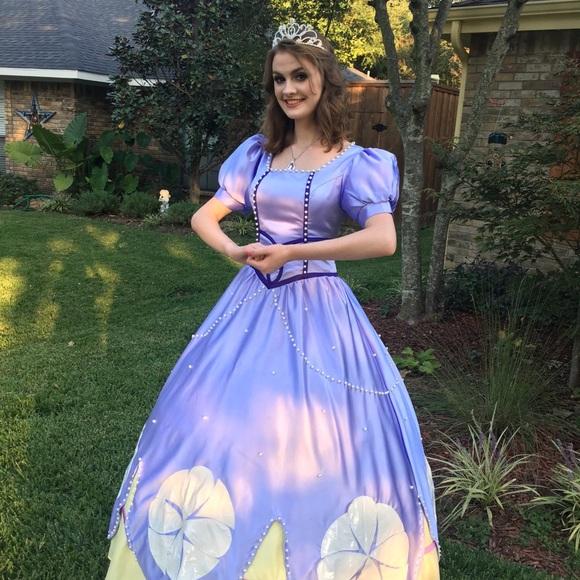 Princess Sofia cosplay costume Disney